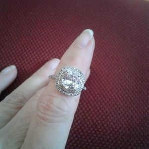 Jewelry - Silver engagement ring